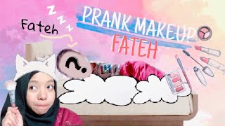 Download Video PRANK Ngisengin Fateh Pas Lagi Tidur - DI MAKEUP JELEK - MP3 3GP MP4