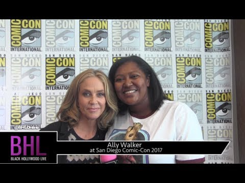 Ally Walker Ghosted at San Diego ComicCon 2017