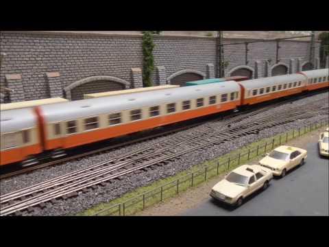 Deutsche Reichbahn DR mit 243 und Städteexpress Stoltera auf Harrs Kellerbahn