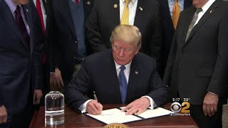 2017-12-11-22-52.President-Trump-Instructs-NASA-To-Send-Astronauts-Back-To-The-Moon