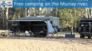 Free camping on tнe Murray river, Vic