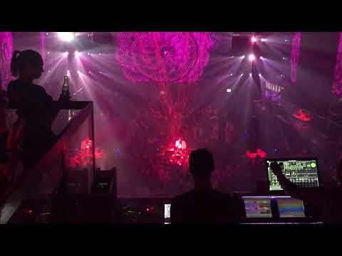 Jennifer Cooke Vocal DJ show Escape Amsterdam