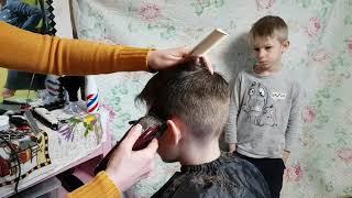 Пригласили парикмахера, меняем имидж