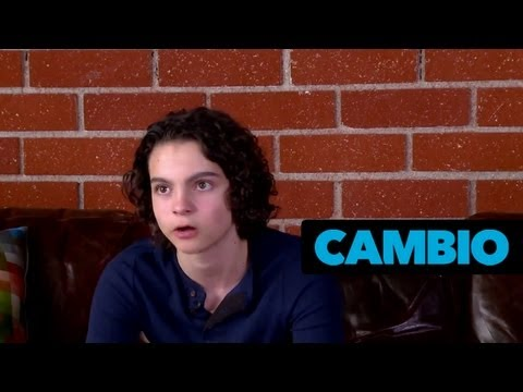Max Burkholder Dishes on His Character on 'Parenthood'  Cambio