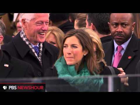 Watch Former Presidents Jimmy Carter and Bill Clinton Arrive at Capitol