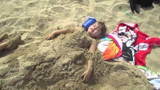 Cute Twins, Beach Fun - Burying Each Other, Flips & Jumps