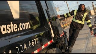 Saints RB Alvin Kamara Becomes A GARBAGE MAN! Rides Truck Picking Up Trash Around City!