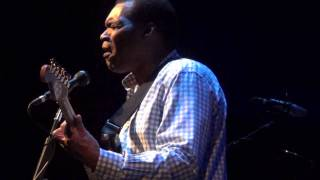 Watch Robert Cray It Doesnt Show video