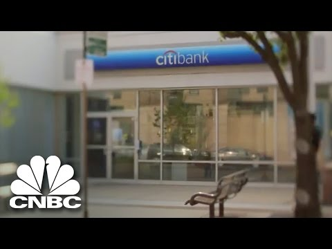 The Unsuspecting Bank Robbery (Highlight Clip) | American Greed | CNBC Prime