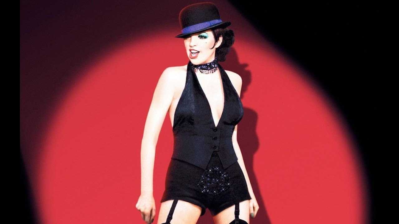 the pinnacle of liza minnellis in the movie cabaret In berlin in 1931, american cabaret singer sally bowles (liza minnelli) meets british academic brian roberts (michael york), who is finishing his university studies despite brian's confusion over.