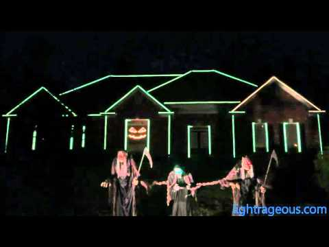 2015 Halloween Light Show Spooky Scary Skeletons (The Living Tombstone Remix Andrew Gold)
