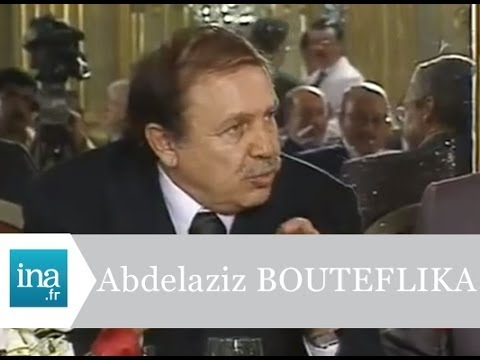 Abdelaziz Bouteflika face aux journalistes à Paris - Archive