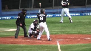 阪神、金本知憲選手の応援歌。 「鉄人」もここ数年はケガなどで苦しいシ...