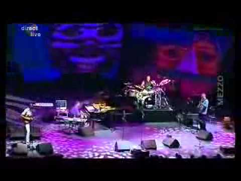 Vinnie Colaiuta groove with Herbie Hancock...