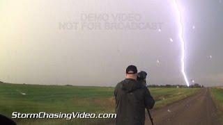 Intense close lightning & lots of lightning strikes from Saint Cloud, MN