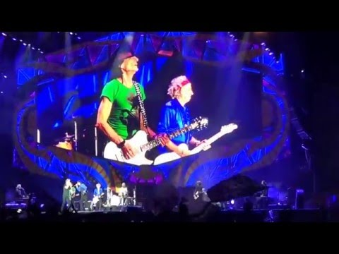 The Rolling Stones ft. Bernard Fowler - Beast of Burden (Argentina 2016) multicam!