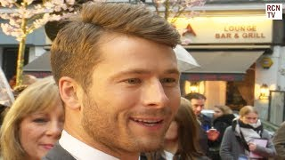 Glen Powell Meets Fans On the Red Carpet