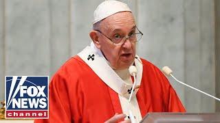 Pope Francis offers Urbi et Orbi blessing