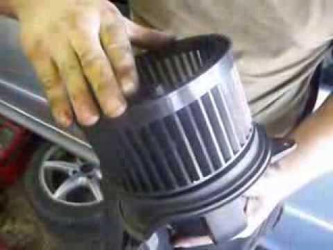Salono ventiliatoriaus keitimas Servise 007, kokybiškas automobilių remontas;