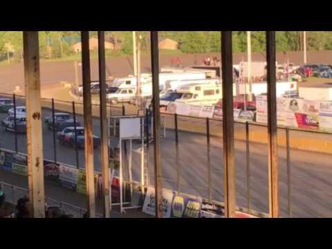 7W Purestock Race Viking Speedway 5-28-17 part 3