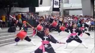 創作エイサー団体、「琉球國祭り太鼓」の演舞です。 イベント名:中野チ...