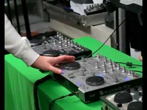 hercules dj console rmx flashing lights