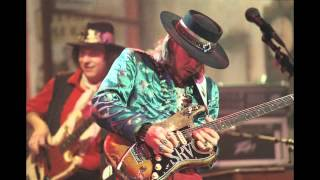 SRV Shuffle in Eb Backing Track How to improvise