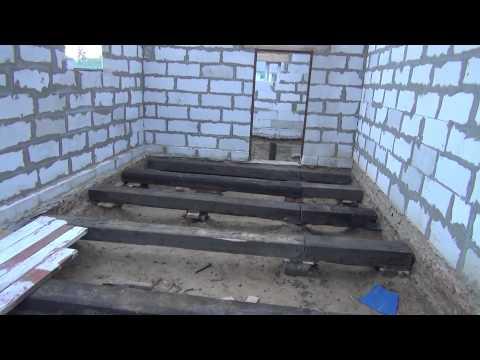 видео: Деревянный пол в гараже, выложил лаги