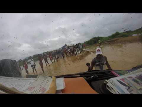 DRC-Angola bordercrossing Benz 508