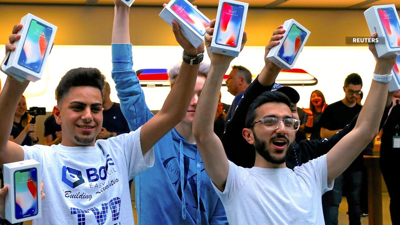 Hundreds Line Up In Sydney Singapore Tokyo For Apple IPhone X Launch