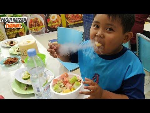 makan-snack-nitrogen,-keluar-asap