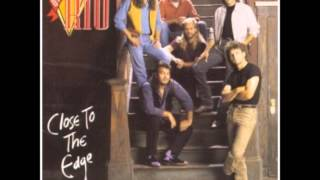 Watch Diamond Rio Old Weakness Coming On Strong video