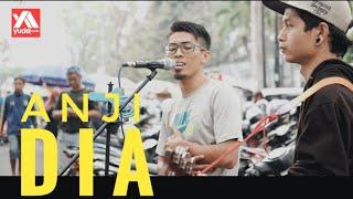 Dia - Anji Cover Pengamen Jalanan Malang feat Pengunjung Mirip Vokalis Repvblik