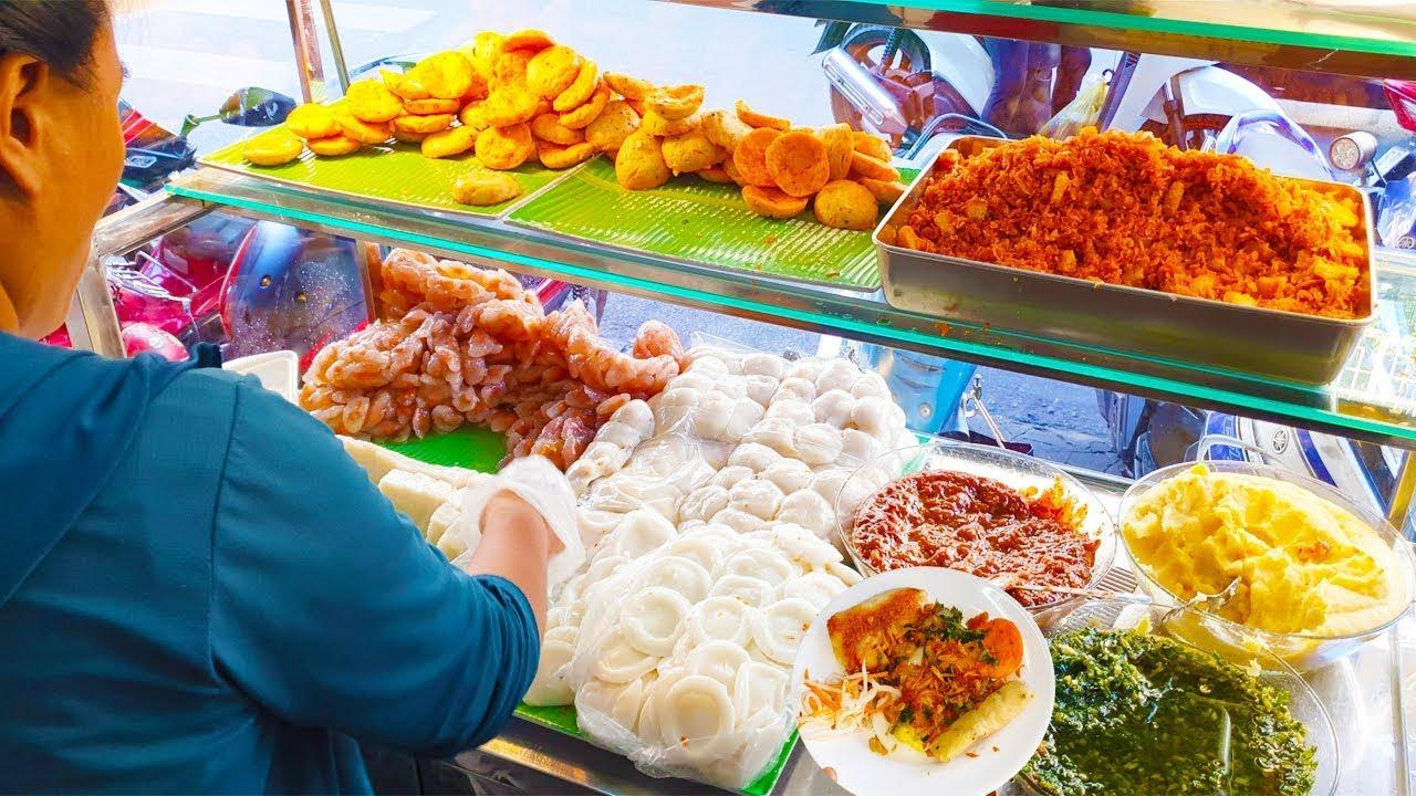 Xe Bánh Bèo, Bánh Bột Lọc cực khủng luôn đông khách ở Sài Gòn