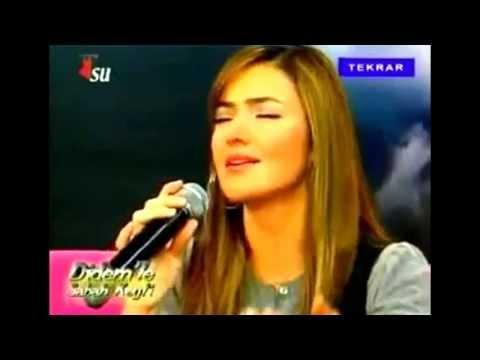 Ben seni gizli sevdim, bilmedim Alem duyar ♥ ♡+ Sarki sözü