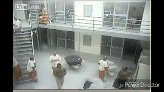 KNIFE FIGHT IN COUNTY JAIL 5 INJURED!!