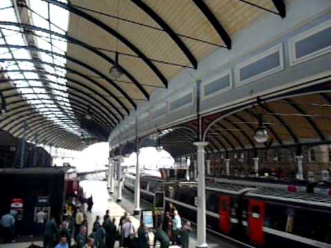 Newcastle Central Station, Platforms and Ceiling