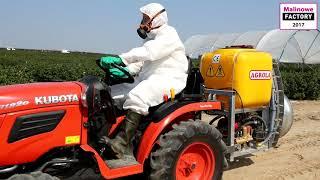 Traktor i opryskiwacz do tunelu - Malinowe Factory 2017