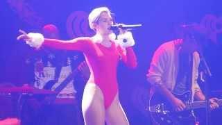 Video Miley Cyrus = Wrecking Ball = KDWB JingleBall 2013 Live - Xcel Energy Center - St. Paul, Minnesota download MP3, 3GP, MP4, WEBM, AVI, FLV Juni 2018