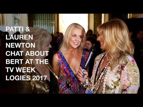 PATTI & LAUREN NEWTON CHAT ABOUT BERT AT THE TV WEEK LOGIES 2017