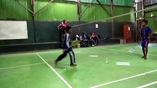 Final badminton anak sd yang dimenangkan oleh Dimas anak sdn 4 tanjung jaya kecamatan bangunrejo