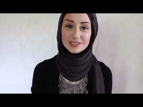 Christian Women in Russia Converts To Islam - YouTube