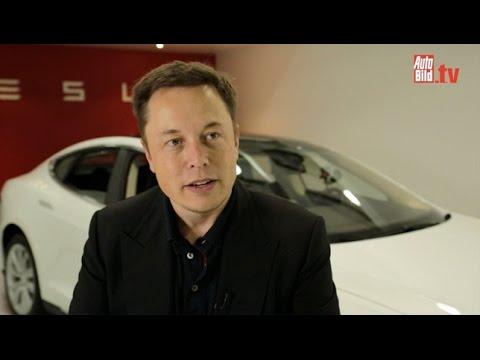 Tesla CEO Elon Musk (2014)