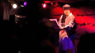 ショウデザイン舎制作「かようショウ」2011.2.2 にて披露された、山本健...