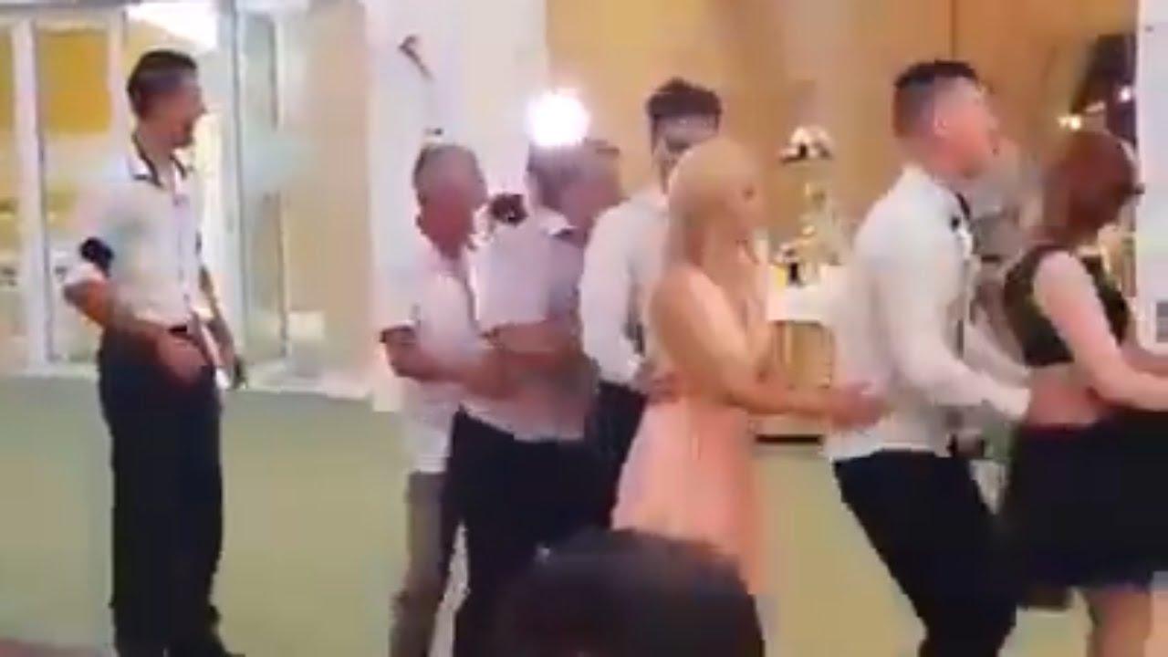 Komik Düğün Videoları | Dayı Dansı Yanlış Anlamış !