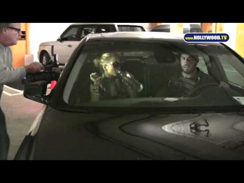 Lindsay Lohan Back From Rehab, Spotted on Sunset Strip