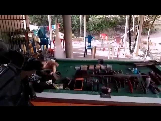 Polícia Militar aprender armas e munições em bar na barragem Filinto Rêgo