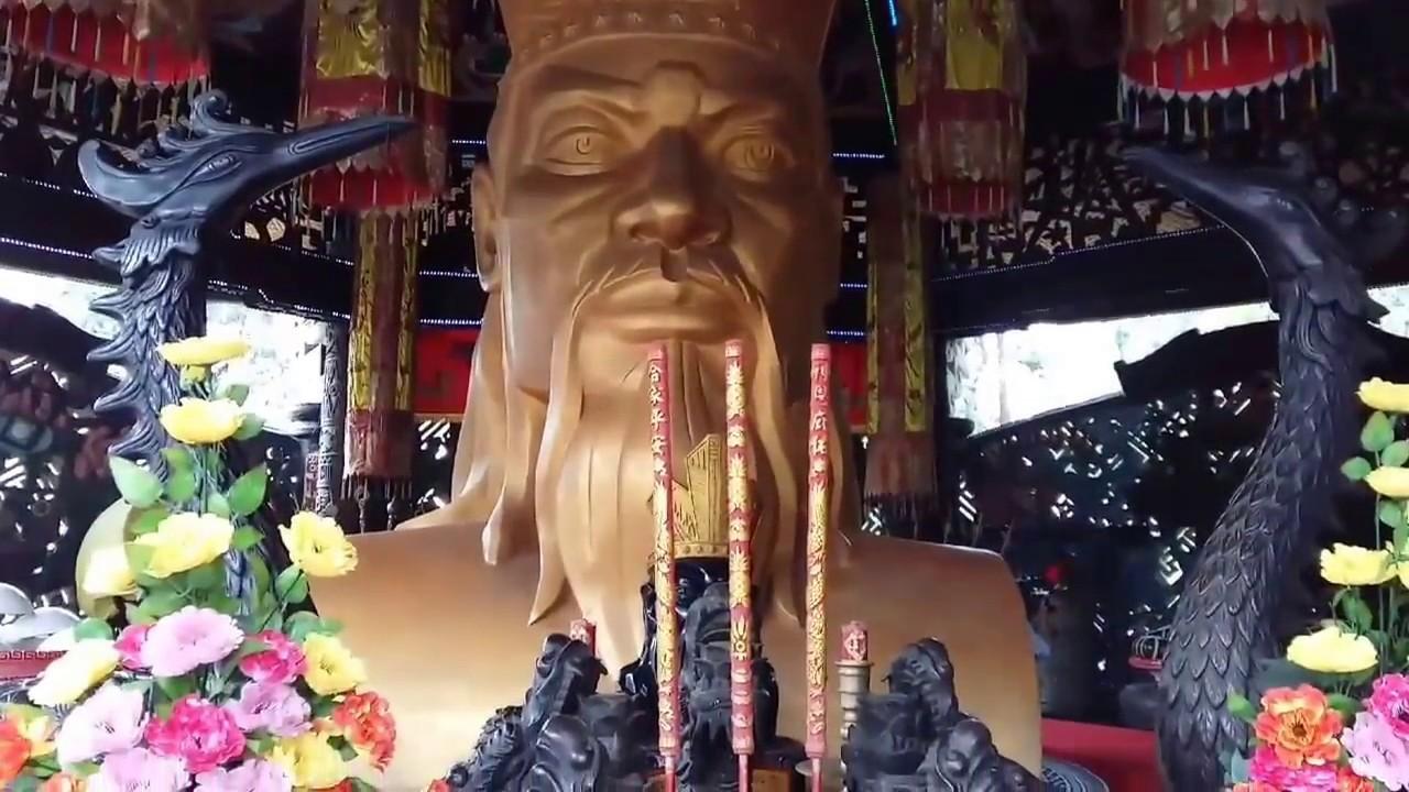 Đền thờ Vua Hùng Suối Tiên