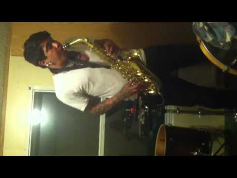 Open Blues Jam in E on Saxophone Guitar Bass and Tambourine - One Man Band with Jojo - Loop Art