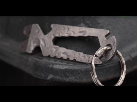 edc-multi-tool:-schrade-scpt1-pry-tool,-strap-cutter,-wrench,-bottle-opener---best-key-chain-tool